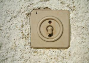 Dags att byta? Anlita en elektriker.