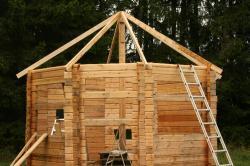 Bygga bastu från grund till tak.