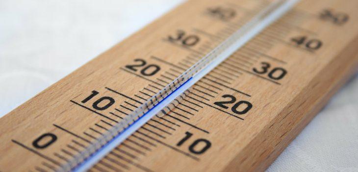 Termometer inomhus, värme, kyla