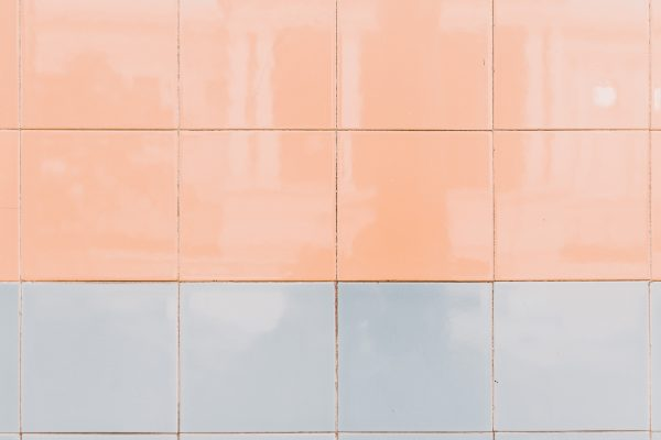 Glansiga kakelplattor i pastellfärg