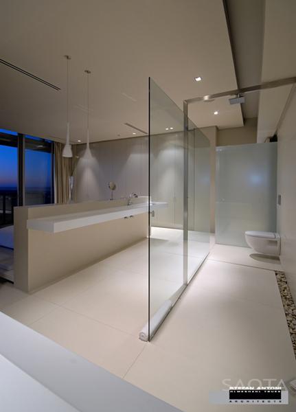 Badrummet är öppet och ljust