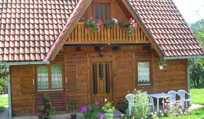 Kontrollera grund, tak och fasad