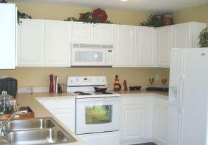 Förbered dig noga om du ska måla om köksluckor.