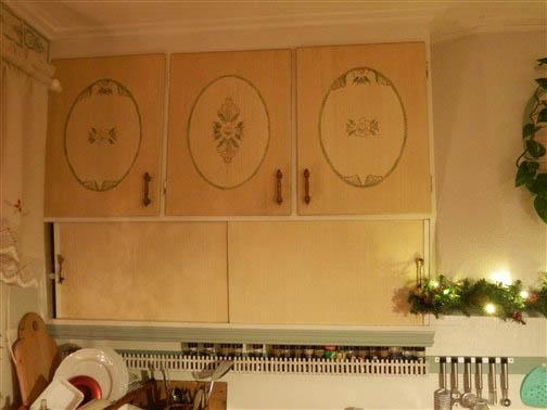 Nytt kök med gammal känsla på köksinredningen.